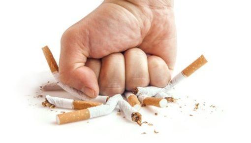 brasileiros fumam menos cigarros