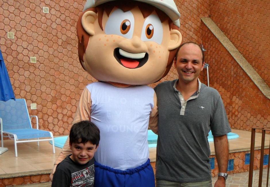 Eliandro e seu filho criaram juntos o O Clubinho Salva Vidas (Foto: Divulgação)