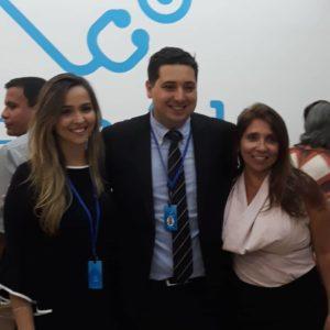 João Spínola e Fabiane Salgado, sócios da Leve Saúde, com a editora de Vida & Ação, Rosayne Macedo (Foto: Maria Clara Macedo)