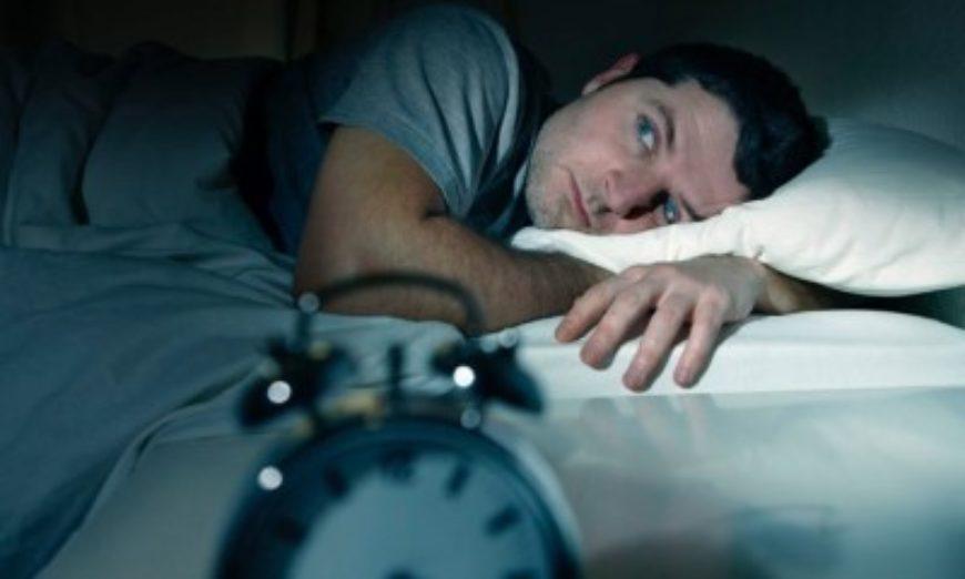 Dormir pouco pode causar até impotência, diz estudo