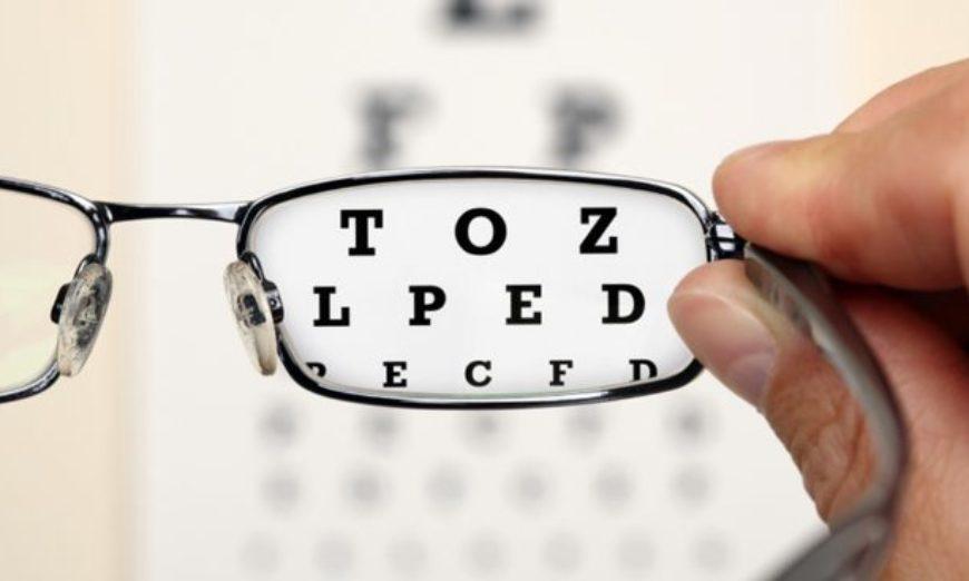 Esta semana fui surpreendida pela notícia de que uma amiguinha da minha  filha, de 12 anos, terá que usar óculos constantemente porque o  oftalmologista ... fa7e315b52