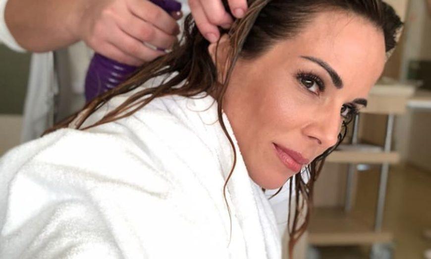 Ana Furtado usa touca térmica para efeitos da quimioterapia